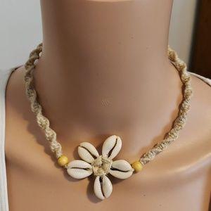 Hemp & shell necklace tropical